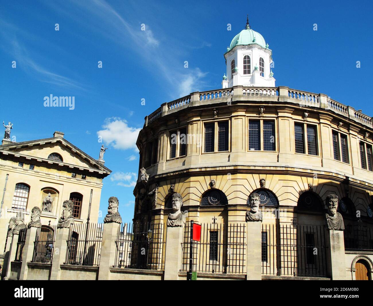The Sheldonian Theatre in the city of Oxford, Oxfordshire, England, UK built between 1664-8 and is part of the Oxford University Stock Photo