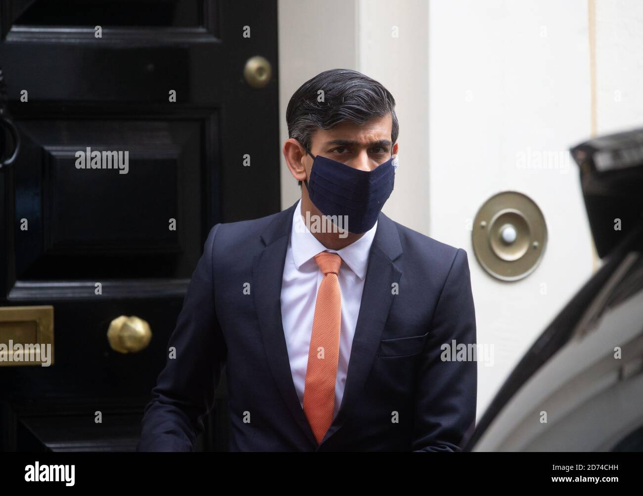 London, UK. 20th Oct, 2020. Chancellor of the Exchequer, Rishi Sunak, leaves Number 11 Downing Street to go to Parliament. Credit: Mark Thomas/Alamy Live News Stock Photo