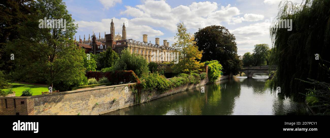 People Punting on the river Cam, Clare College Cambridge City, England, UK Stock Photo