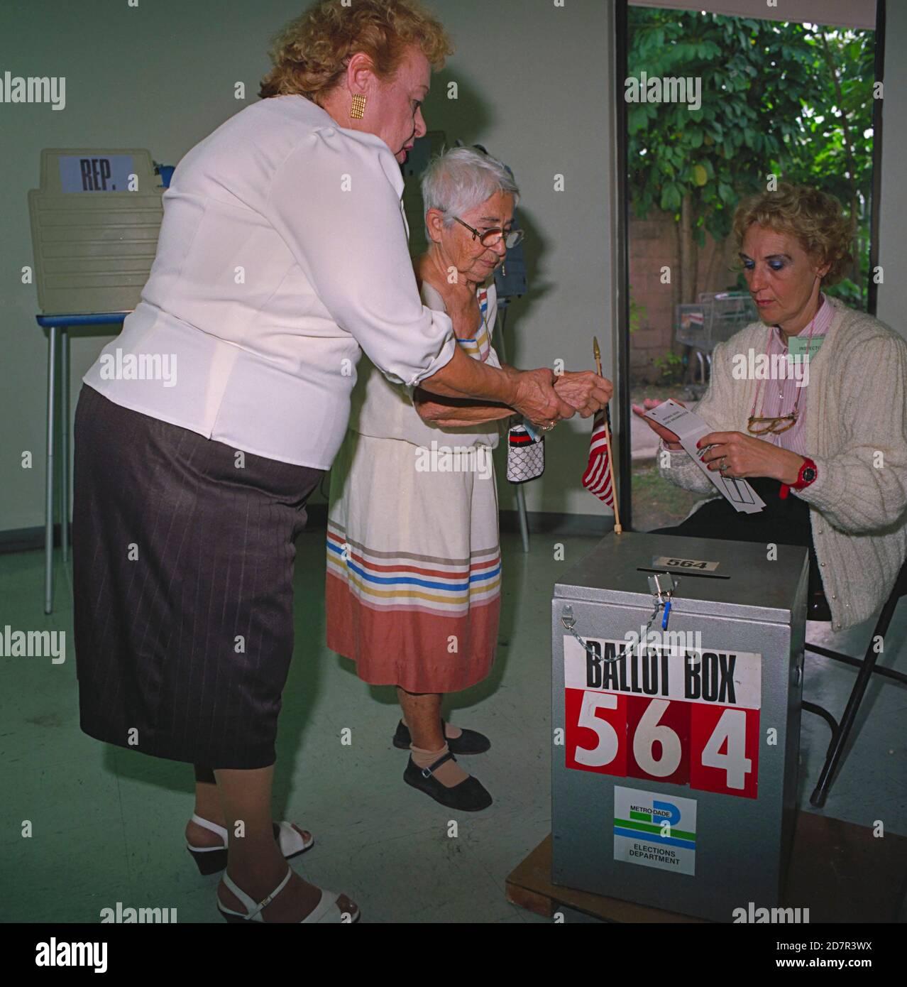 Cuban American senior voting in Miami, Florida 1988 Stock Photo
