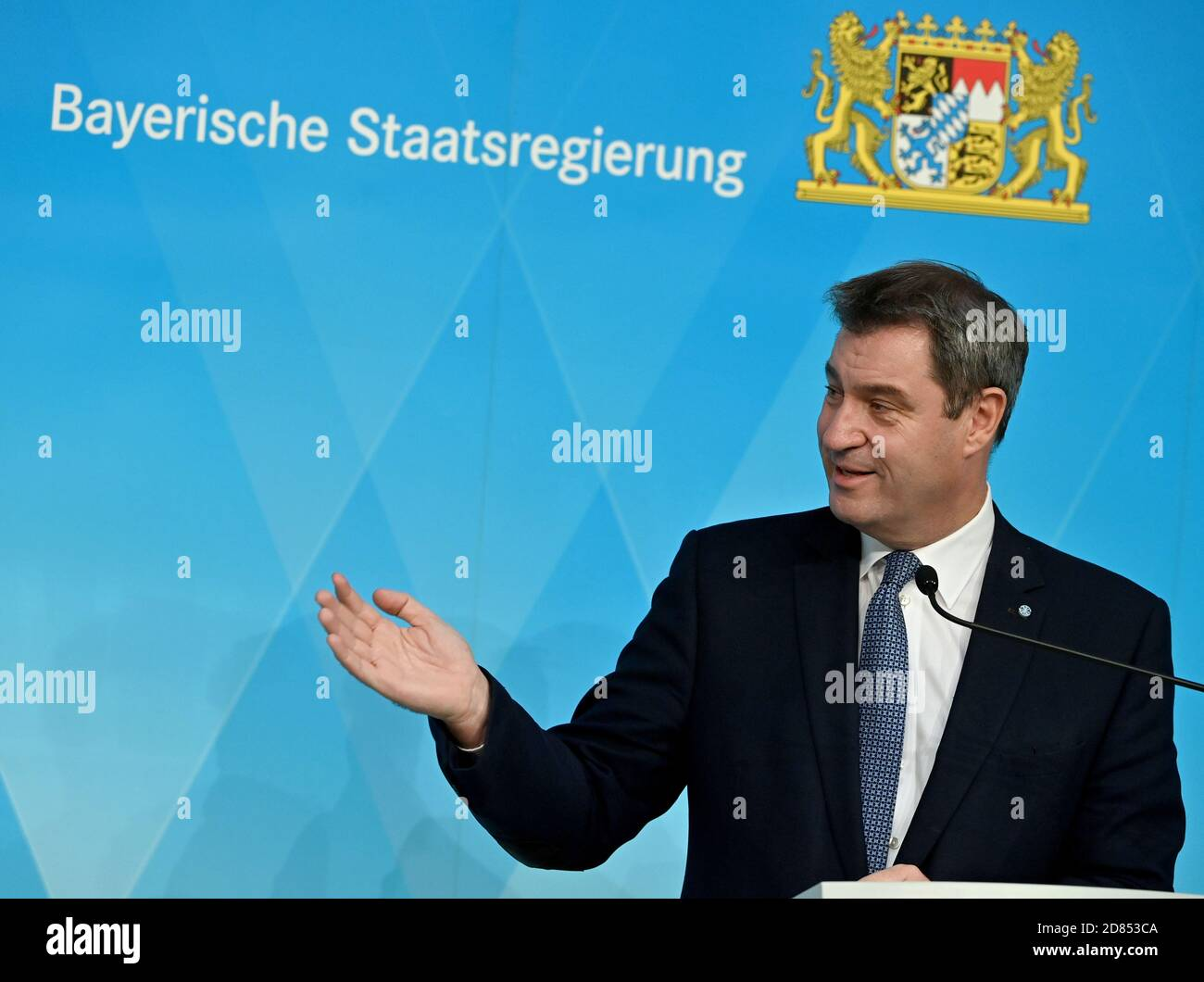 Munich, Germany. 27th Oct, 2020. Markus Söder (CSU), Minister President of Bavaria, will take part in a press conference following the cabinet meeting. Credit: Peter Kneffel/dpa/Alamy Live News Stock Photo
