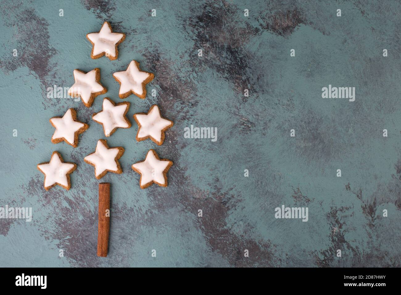 Cinnamon stars, traditional german christmas cookies, gingerbread, empty copy space Stock Photo
