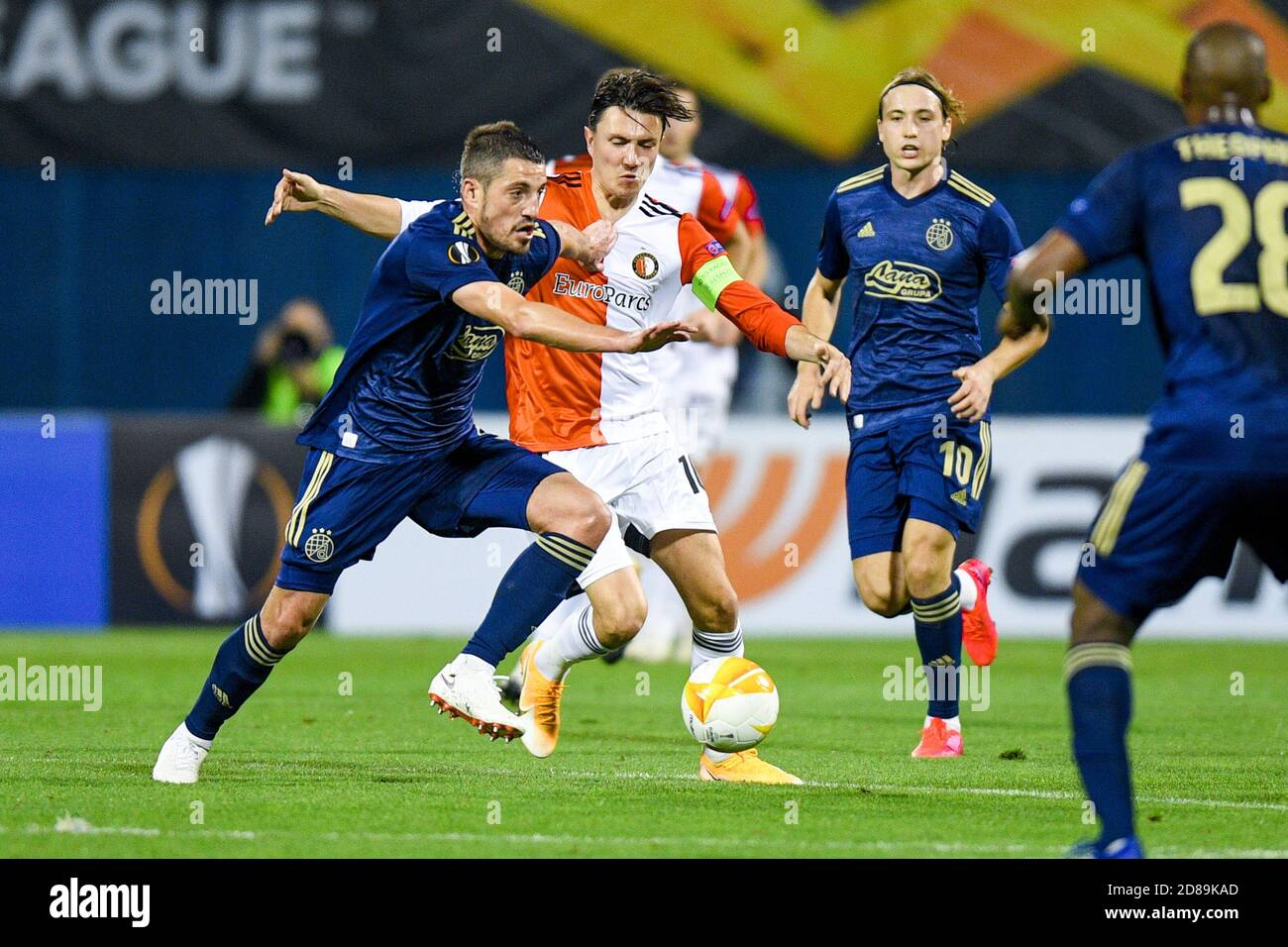 Arijan Ademi Of Dinamo Zagreb Steven Berghuis Of Feyenoord During The Uefa Europa League Group Stage Group K Football Match Between Dinamo Zagreb C Stock Photo Alamy