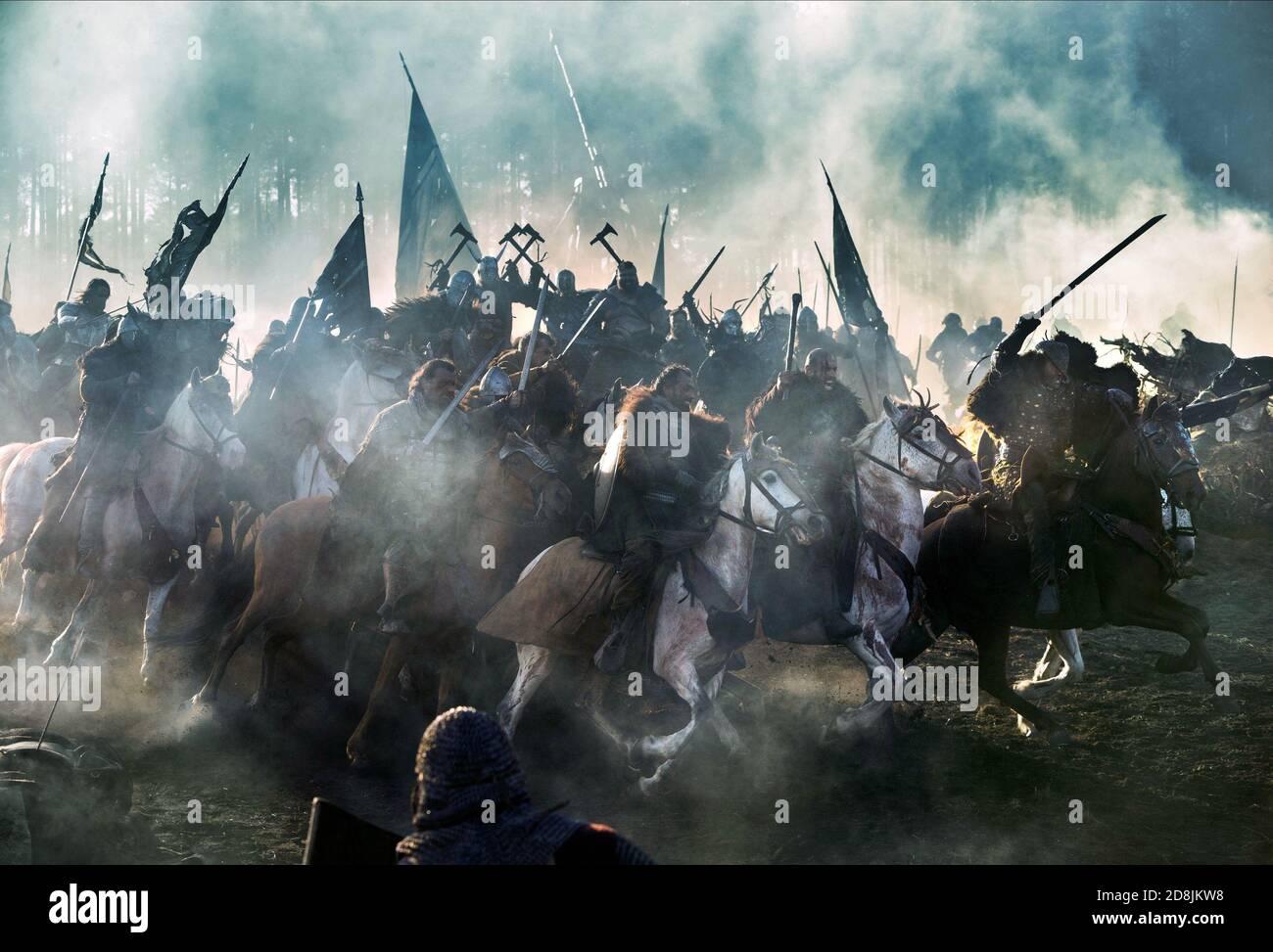 MEDIEVAL BATTLE SCENE, TRANSFORMERS: THE LAST KNIGHT, 2017  © PARAMOUNT Stock Photo