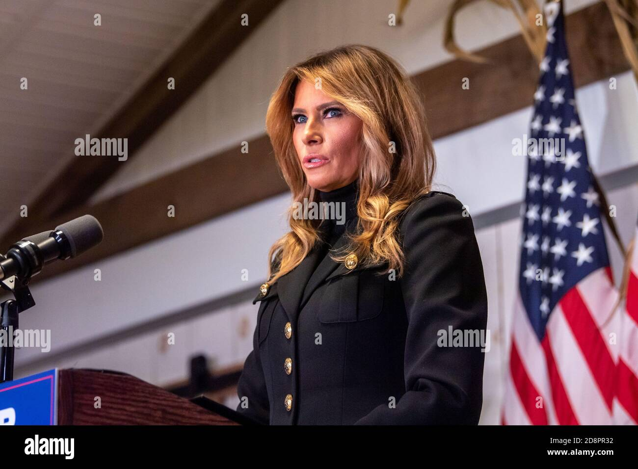 """Wapwallopen, PA – OCTOBER 31: U.S. First Lady Melania Trump speaks to President Trump's supporters at a """"Make America Great Again"""" campaign rally even Stock Photo"""