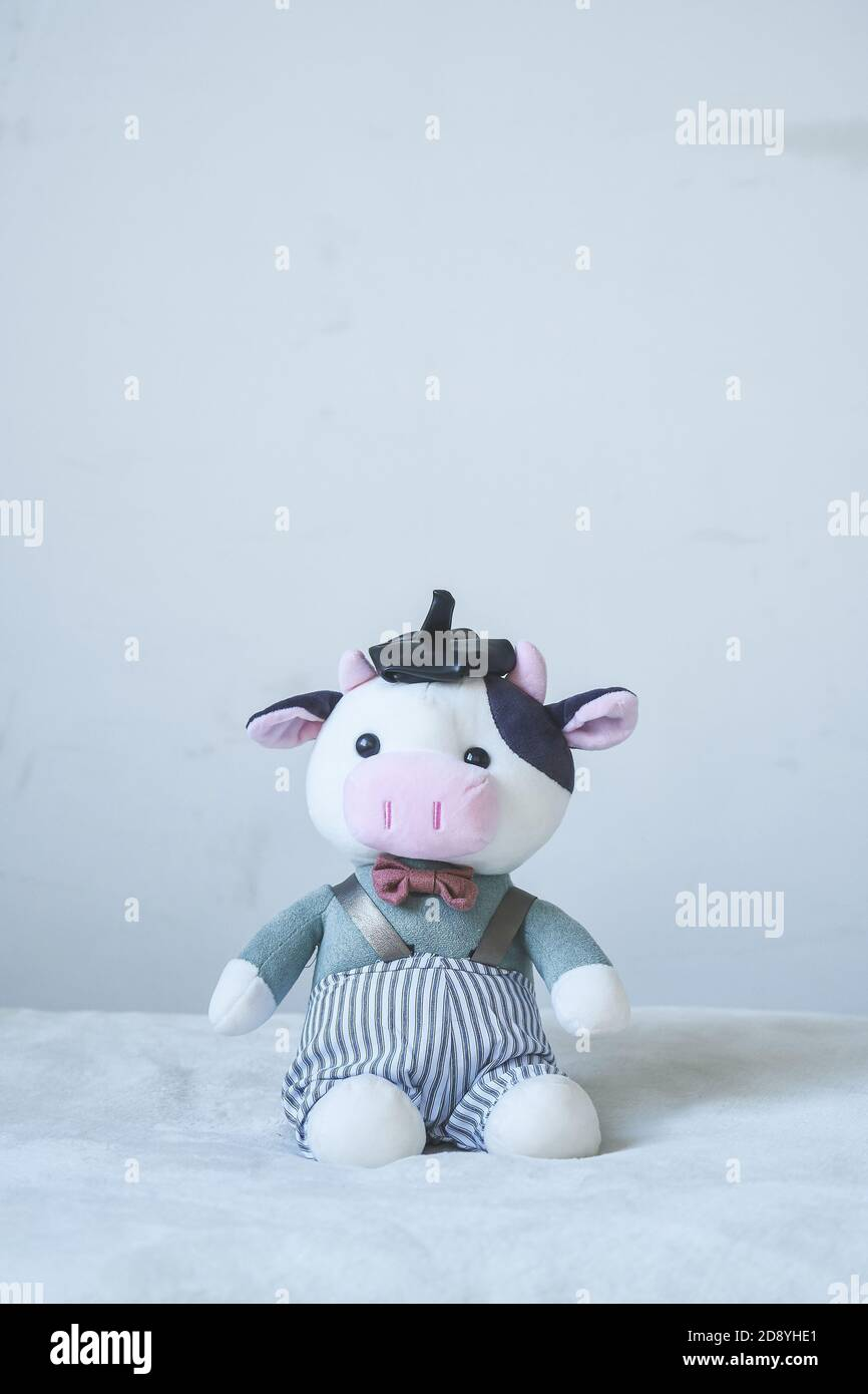 farm animal toys photography toys Cow toy with cow hat set symbol 2021 knitted bull ox New year outfit stuffed cow