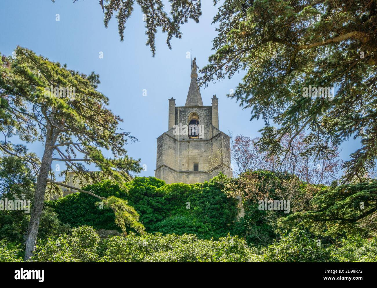 view of the église haute, the Upper Church from the rampards of Bonilis Castrum at of the ancient Luberon hillside village Bonnieux, Vaucluse departme Stock Photo