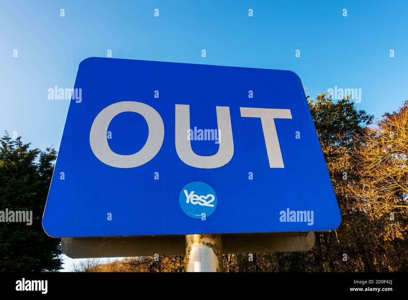 A sign saying YES to a second Scottish Independence Referendum on a sign saying OUT Stock Photo