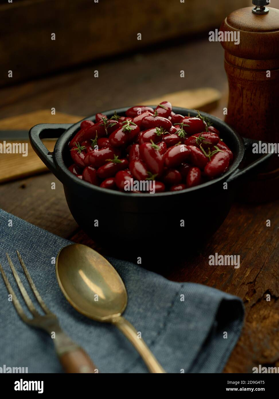 Red Kidney Beans In A Cast Iron Crock Stock Photo Alamy
