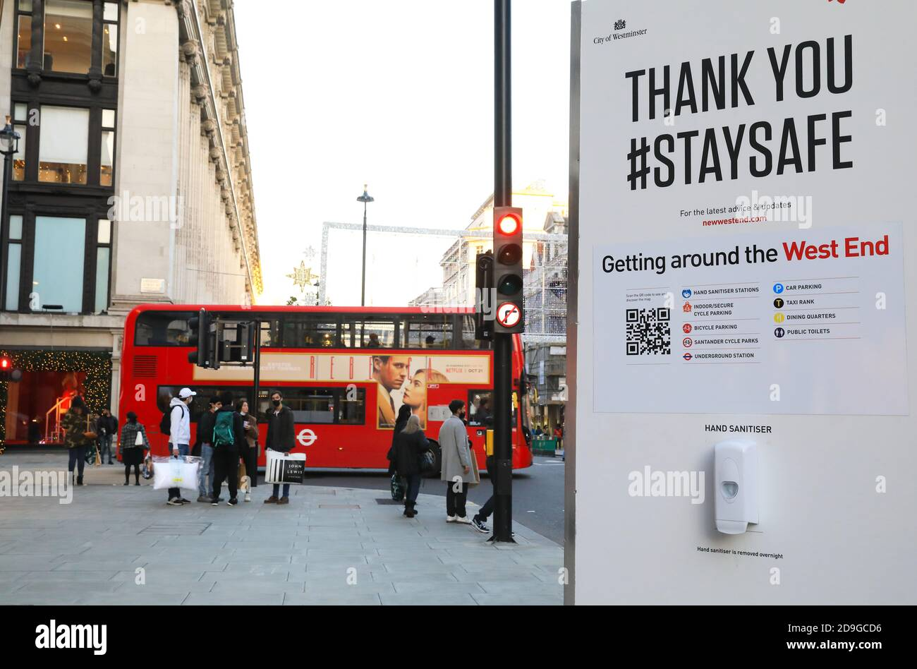 Oxford Street busy with people doing their Christmas shopping on Nov 4th 2020, before shops close in the 2nd national lockdown for Covid-19 on Nov 5th, in London, UK Stock Photo