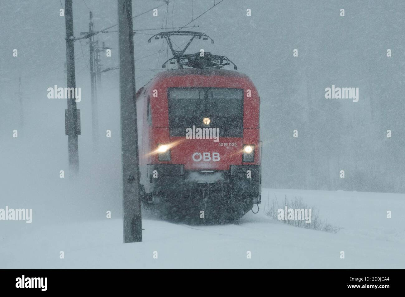 lokomotive im winterbetrieb Stock Photo