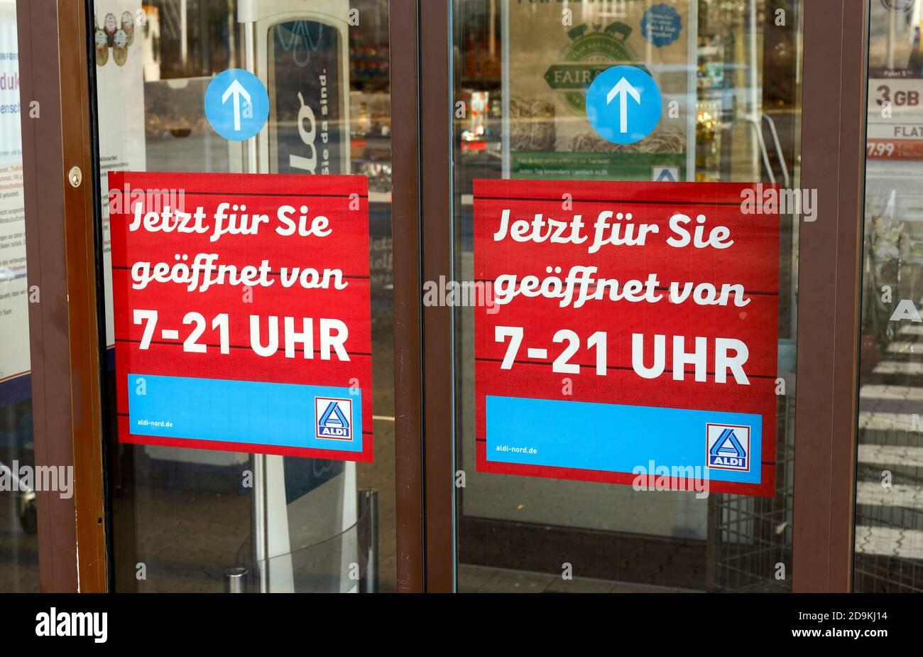 Opening hours, Aldi-Nord supermarket, Datteln, North Rhine-Westphalia, Germany Stock Photo