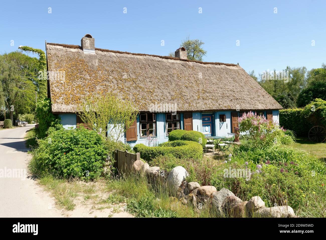 """Blue House"" in Warthe on the Lieper Winkel peninsula, Lieper Winkel, Usedom Island, Baltic Sea, Mecklenburg-Western Pomerania, Germany Stock Photo"