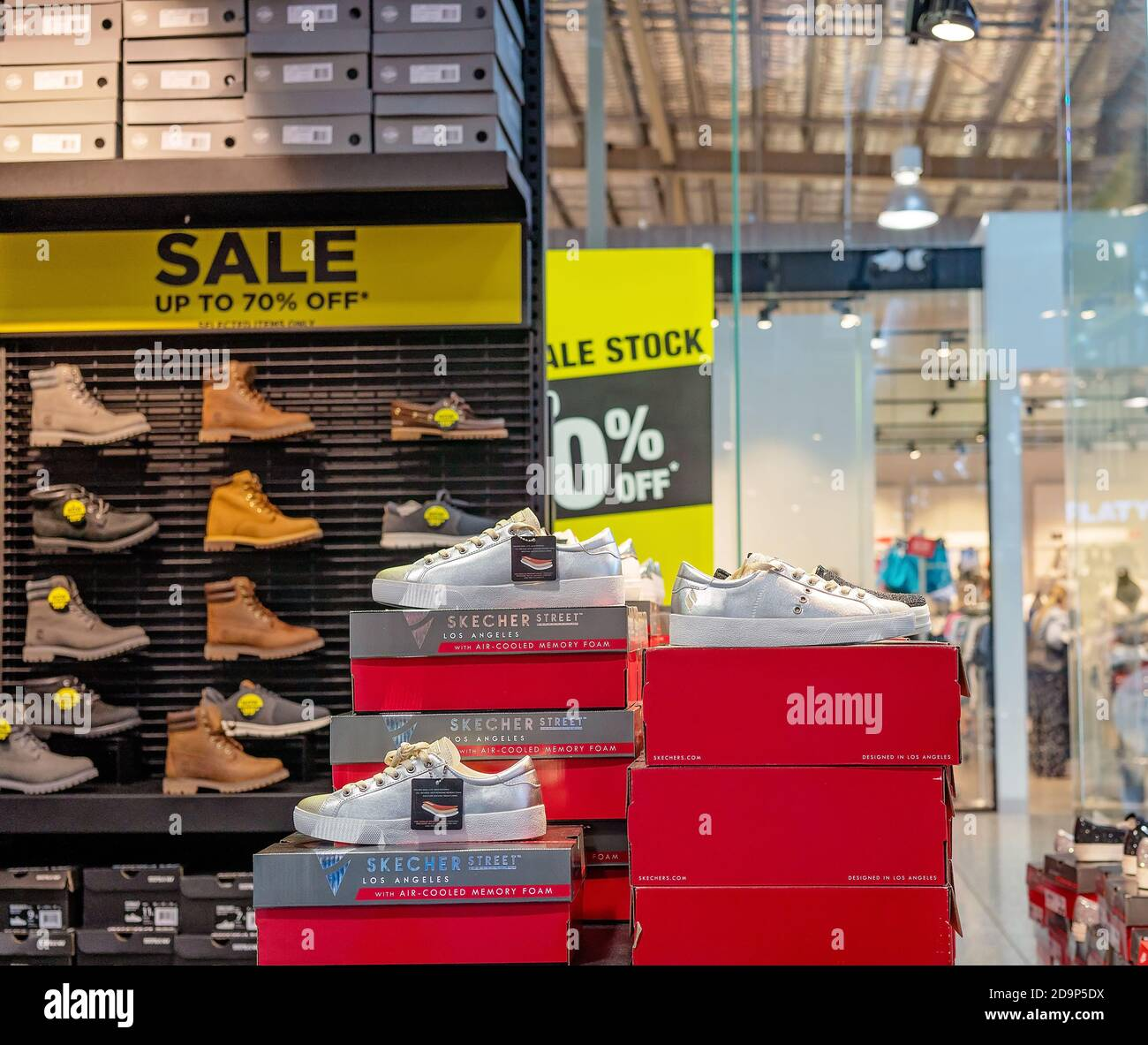 shoe shops at watergardens