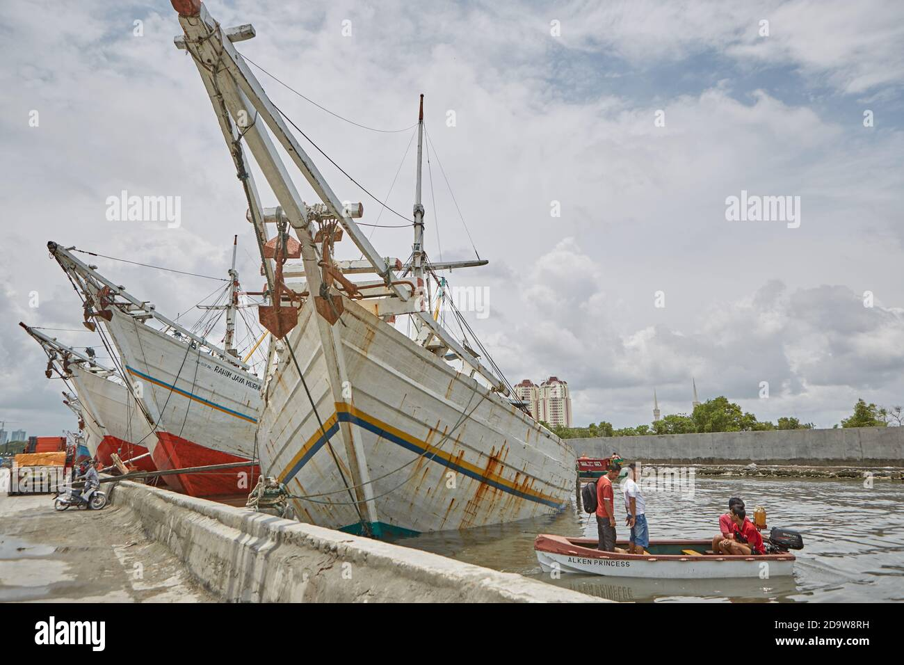 Pelabuhan Sunda Kelapa High Resolution Stock Photography And Images Alamy