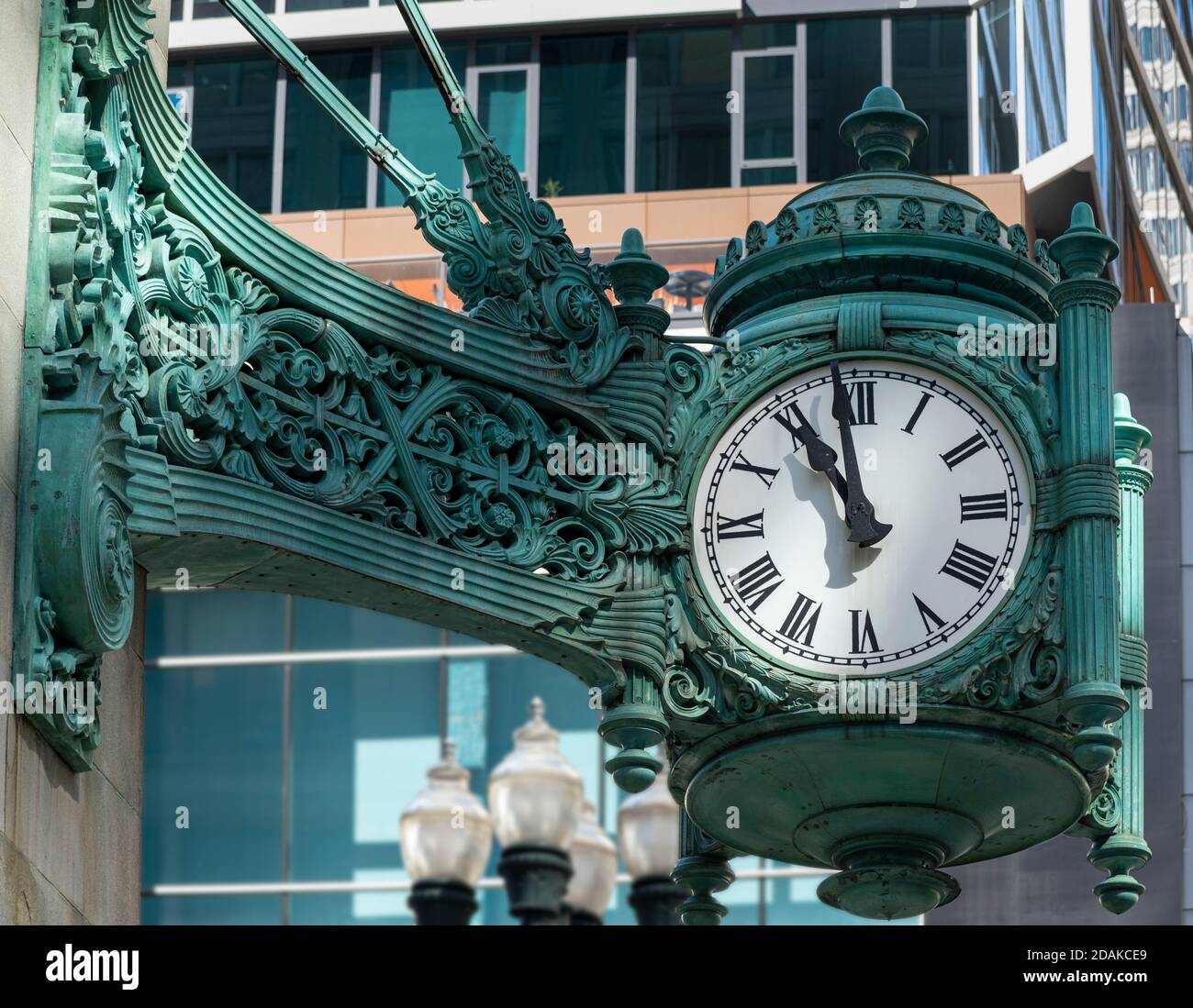 Marshall 12 Art Glass Clock