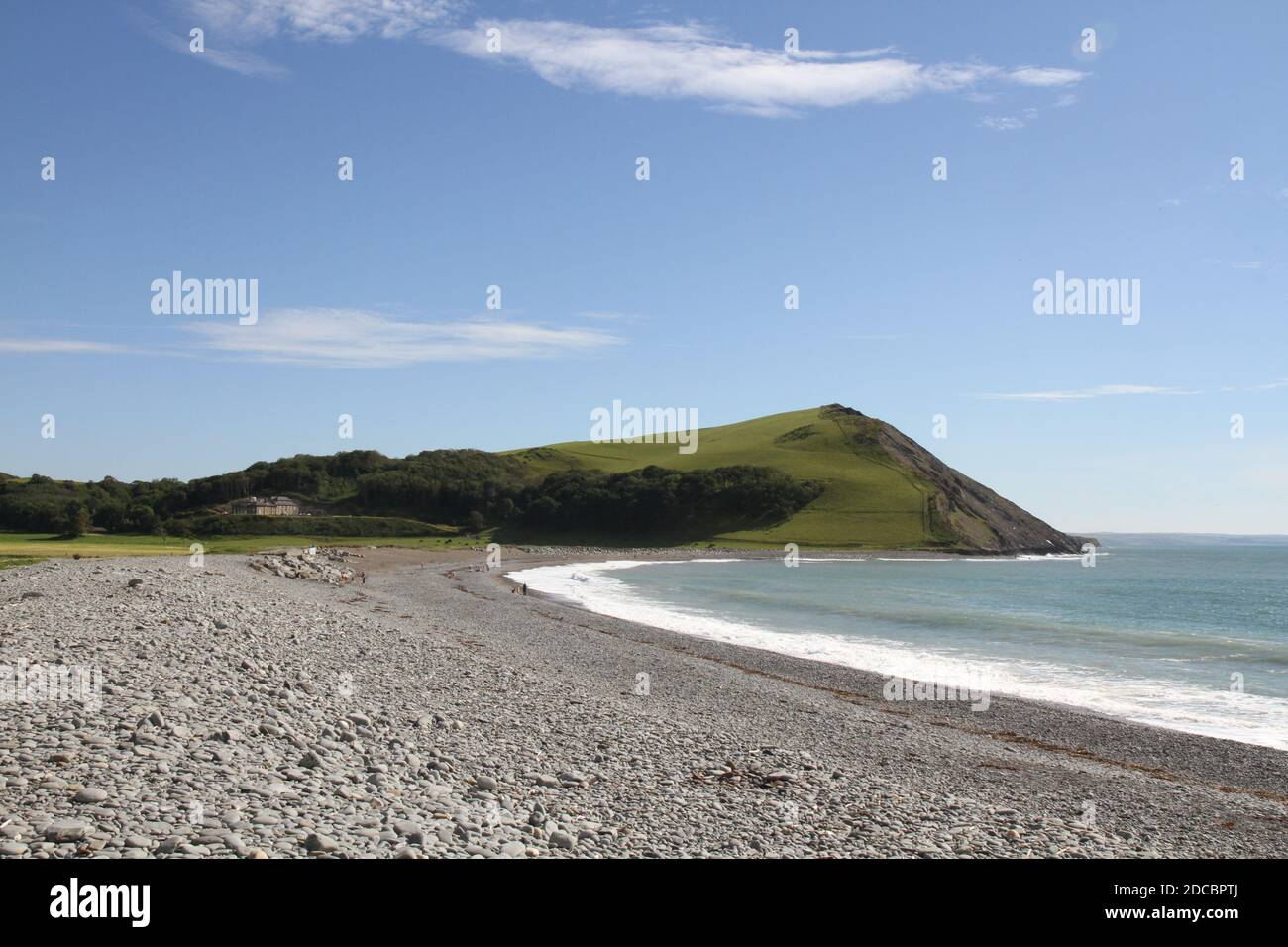 Tan y Bwlch Beach, Aberystwyth, Wales UK in High Summer with Clear Blue Skies and White Surf. Stock Photo