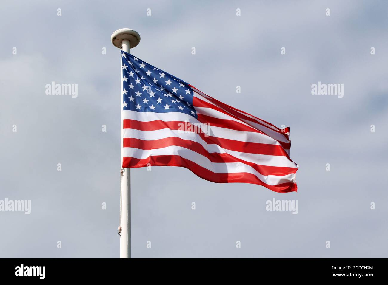 amerikanische Flagge weht im Wind Stock Photo