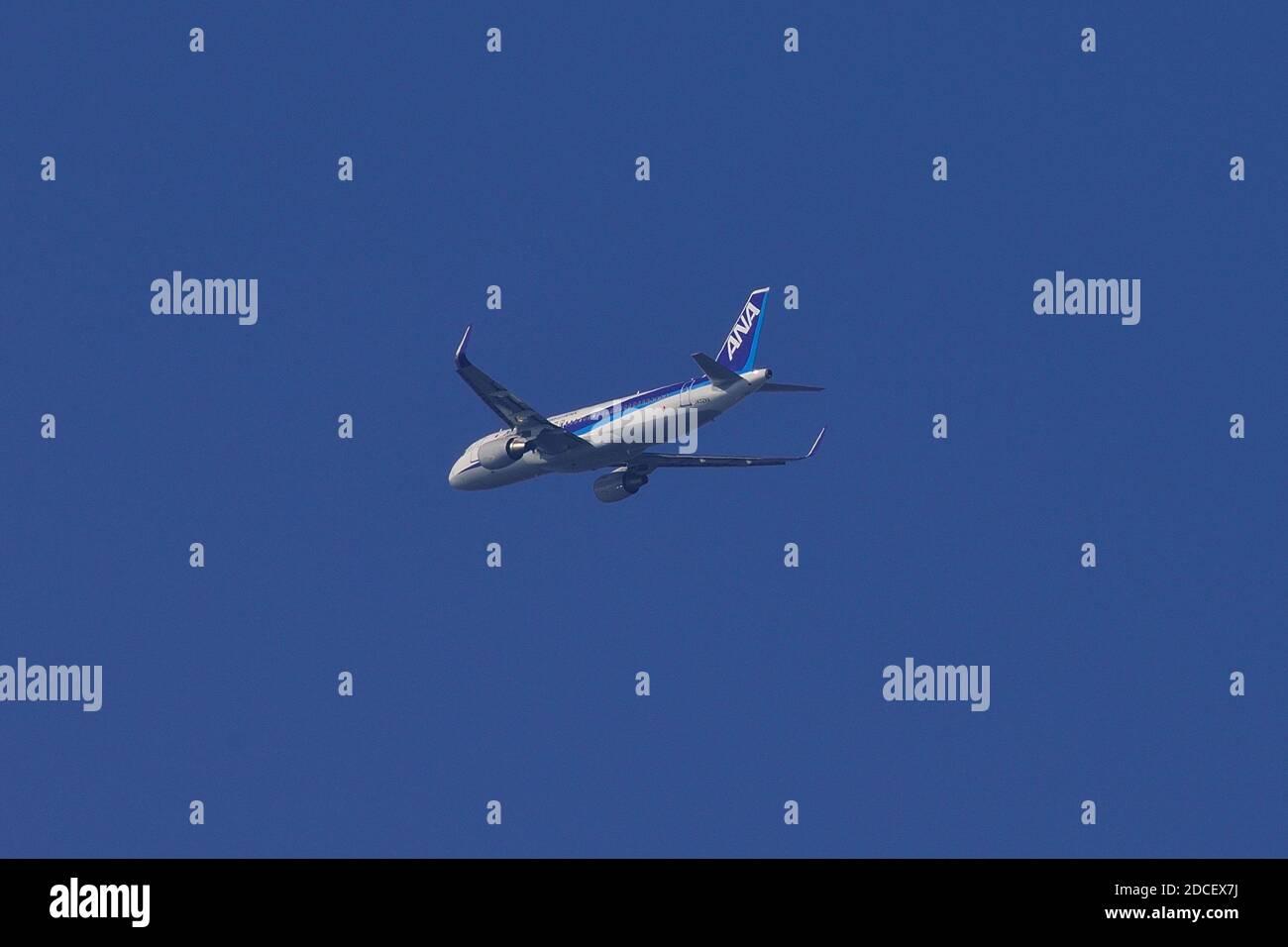 All Nippon Airways, ANA, Ex Vanilla Air, Airbus, A320-200, JA02VA, Final Approach, Tokyo Haneda Airport, Tokyo Japan Stock Photo