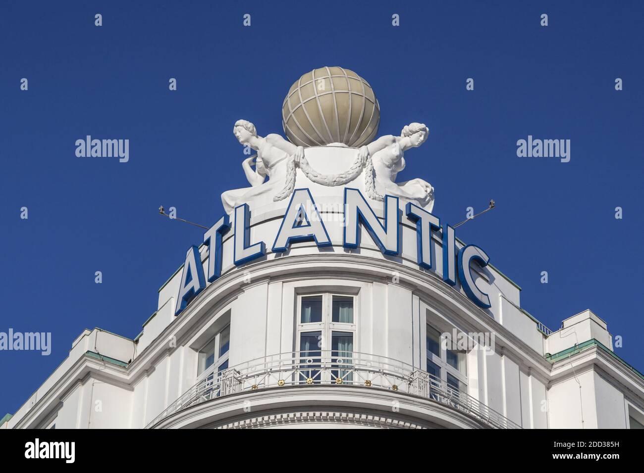 geography / travel, Germany, Hamburg, Hamburg, globe on the hotel Atlantic Kempinsky, Additional-Rights-Clearance-Info-Not-Available Stock Photo
