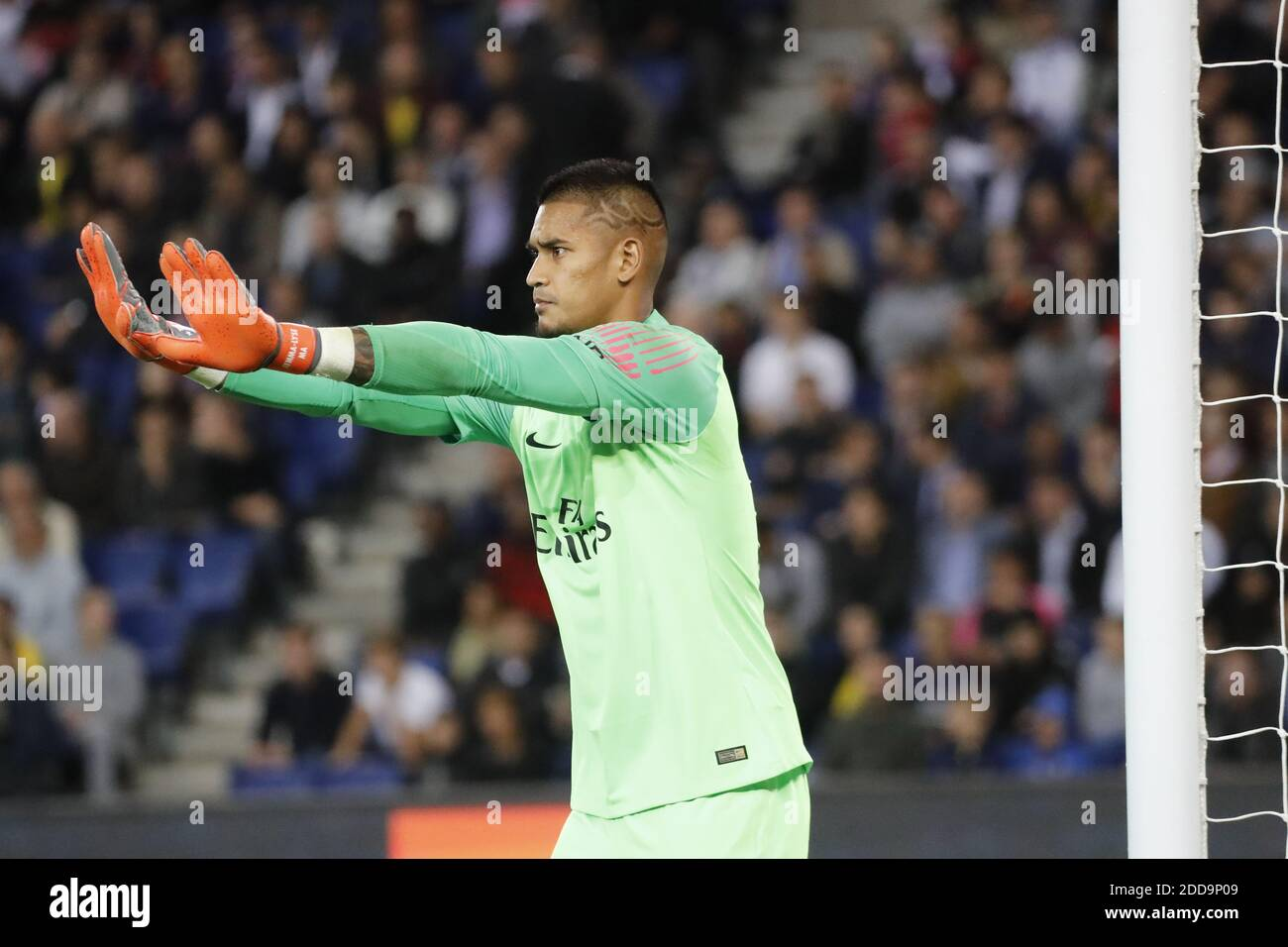 Page 5 - Alphonse Areola High Resolution Stock Photography and ...