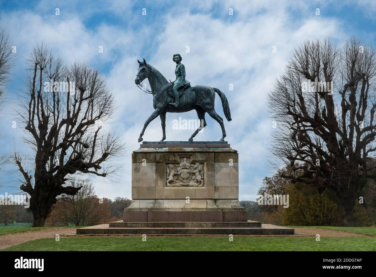 The Golden Jubilee Statue of Queen Elizabeth II on horseback in Windsor Great Park, Berkshire, UK Stock Photo