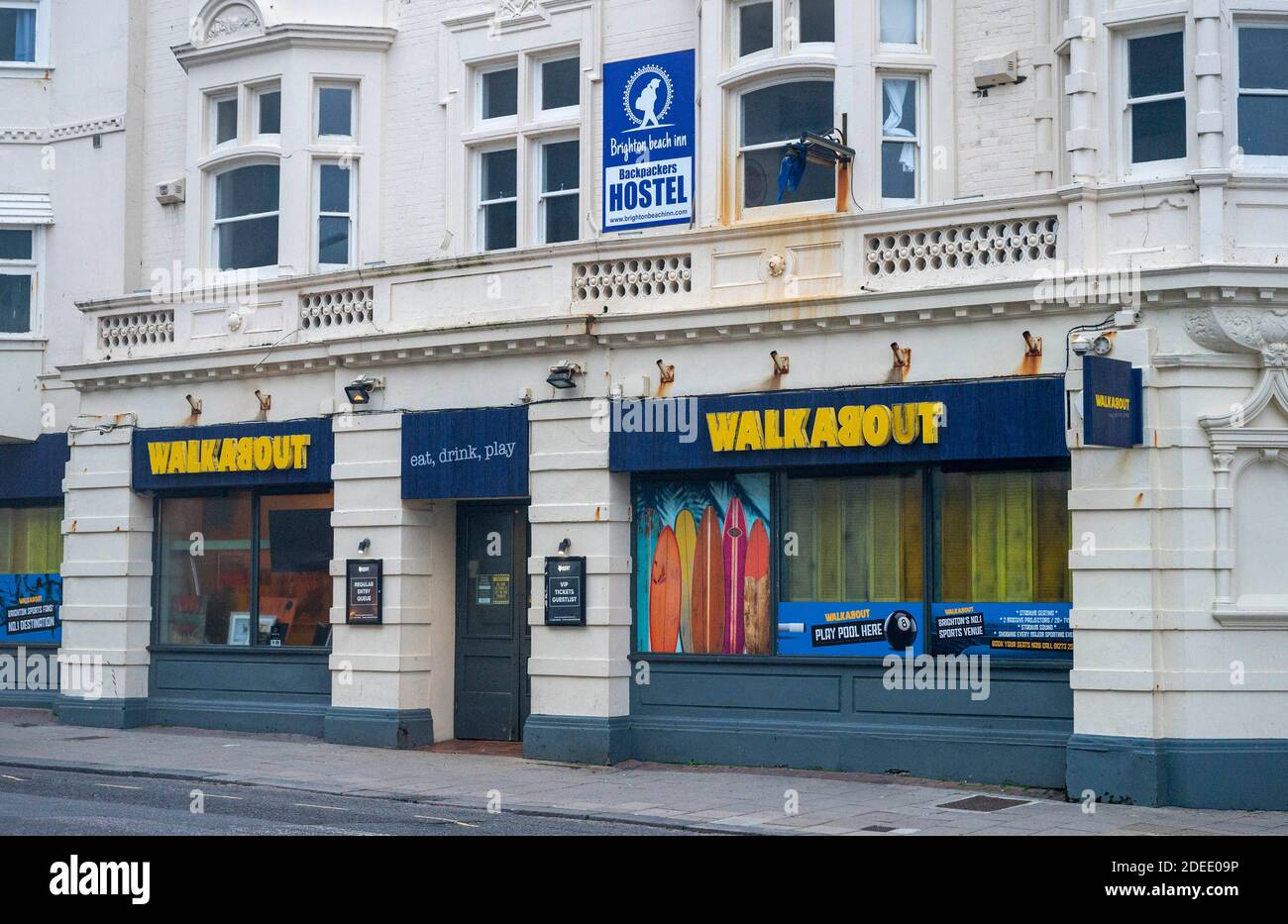 The Walkabout Australian style pub & bar in West Street Brighton with Brighton Beach Inn Backpackers hostel above closed during lockdown 2 Stock Photo