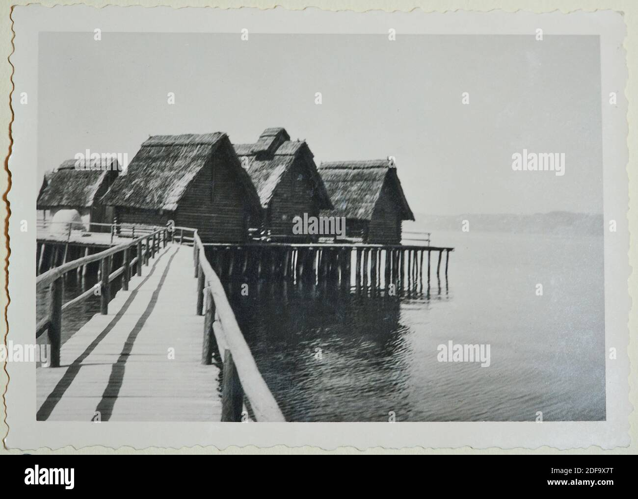 Historical Photo:  Pile dwellings on lake constance, June 1958 in Uhldingen, Germany. Reproduction in Marktoberdorf, Germany, October 26, 2020.  © Peter Schatz / Alamy Stock Photos Stock Photo