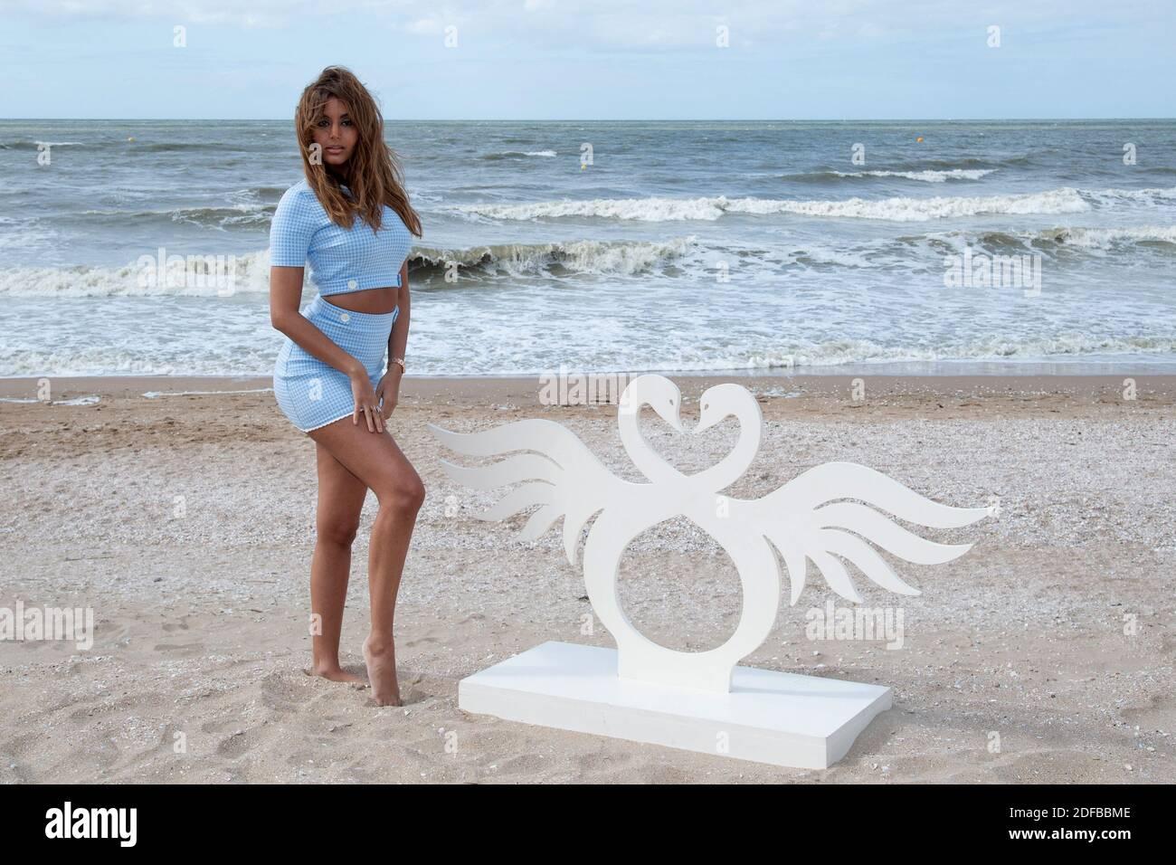 Zahia dehar beach