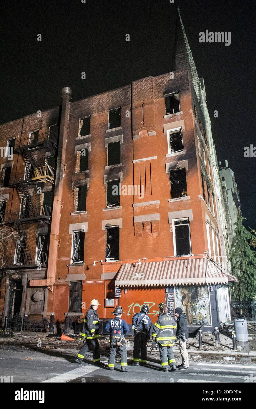 December 5, 2020, New York City, New York, U.S: Massive Fire Devastates Historic Church In East Village. The six-alarm fire started in a vacant building at East Seventh Street and Second Avenue before spreading to Middle Collegiate Church. The fire, which broke out just before 5 a.m. in a vacant building, quickly spread to Middle Collegiate Church as well as another nearby building on East Seventh Street, FDNY Assistant Chief John Hodgens said Saturday morning. Built in 1892, the church is home to the oldest congregation of the Collegiate Churches of New York, which date to the Dutch settlemen Stock Photo