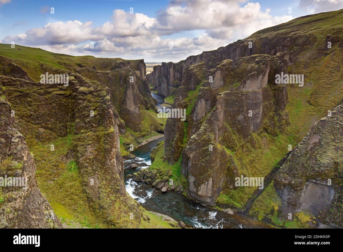 Fjaðrá river flowing through the Fjaðrárgljúfur / Fjadrargljufur canyon near Kirkjubæjarklaustur in summer, Iceland Stock Photo