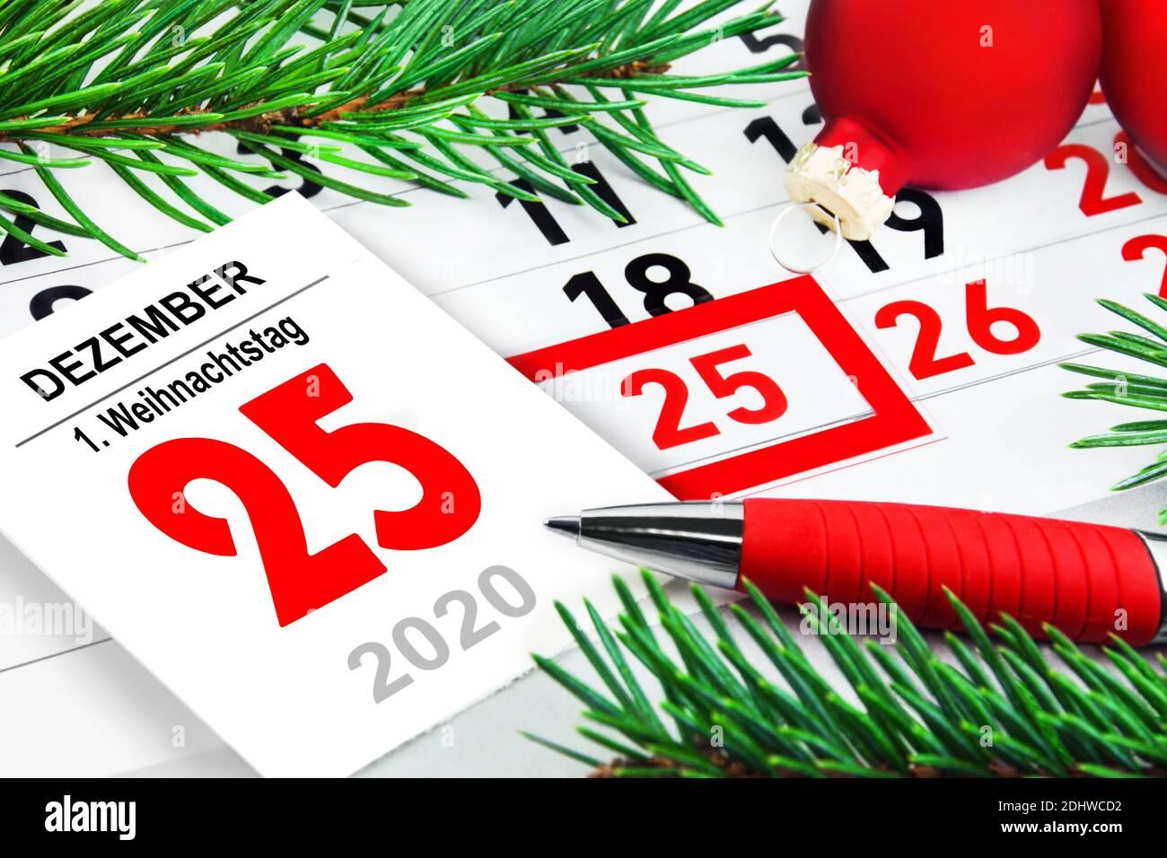 Kalender 25. Dezember 1. Weihnachtstag 2020 Stock Photo