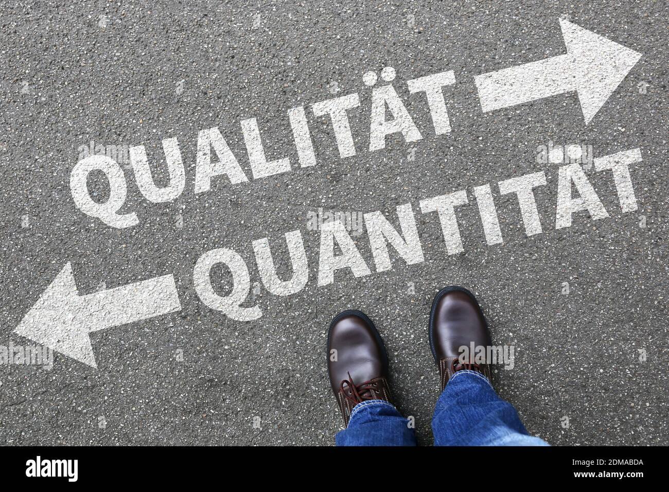 Qualität Quantität Erfolg erfolgreich Business Konzept Entscheidung entscheiden Wahl Stock Photo