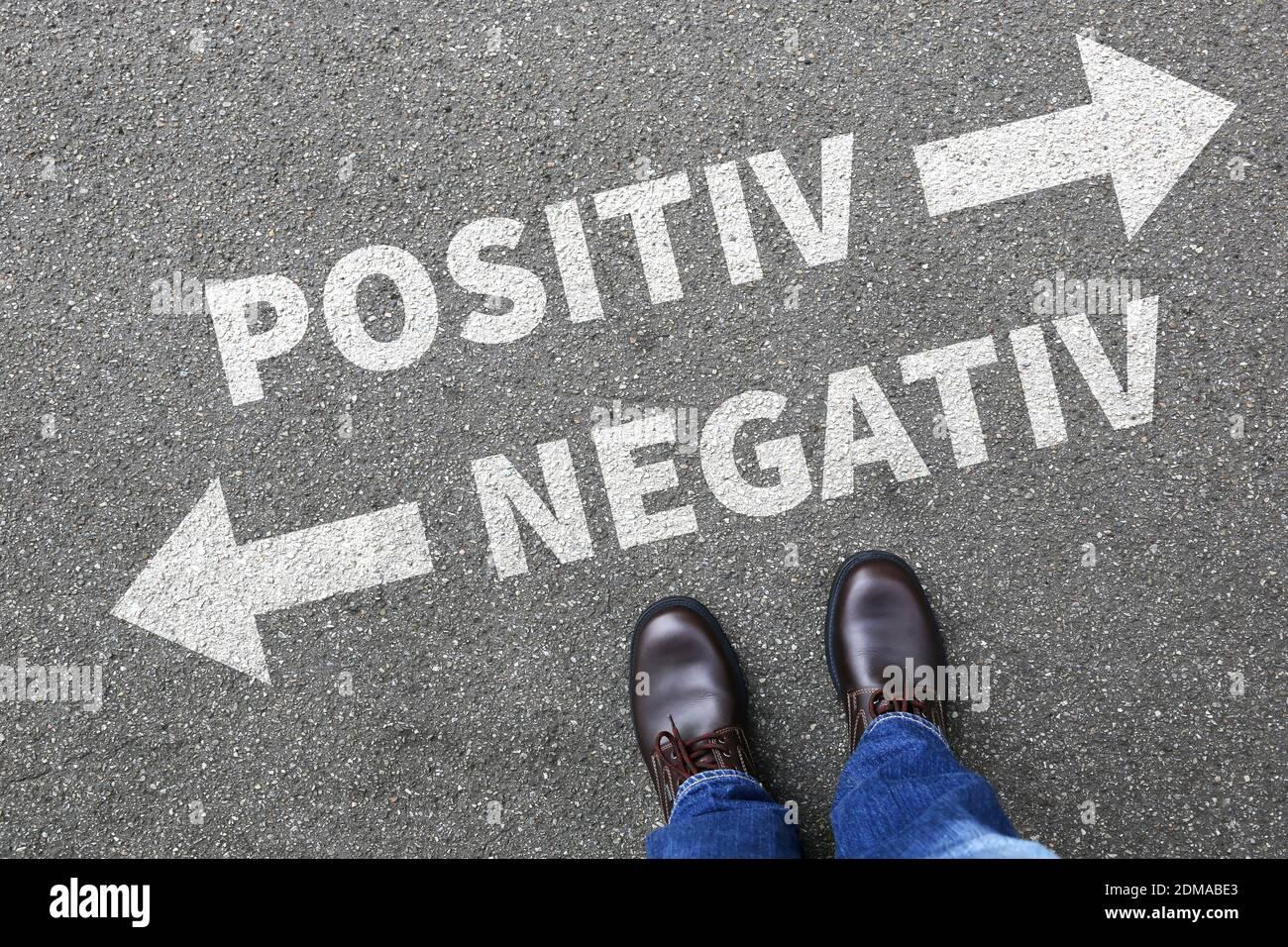 Negativ positiv gut schlecht Business Konzept denken Einstellung Entscheidung Wahl Stock Photo
