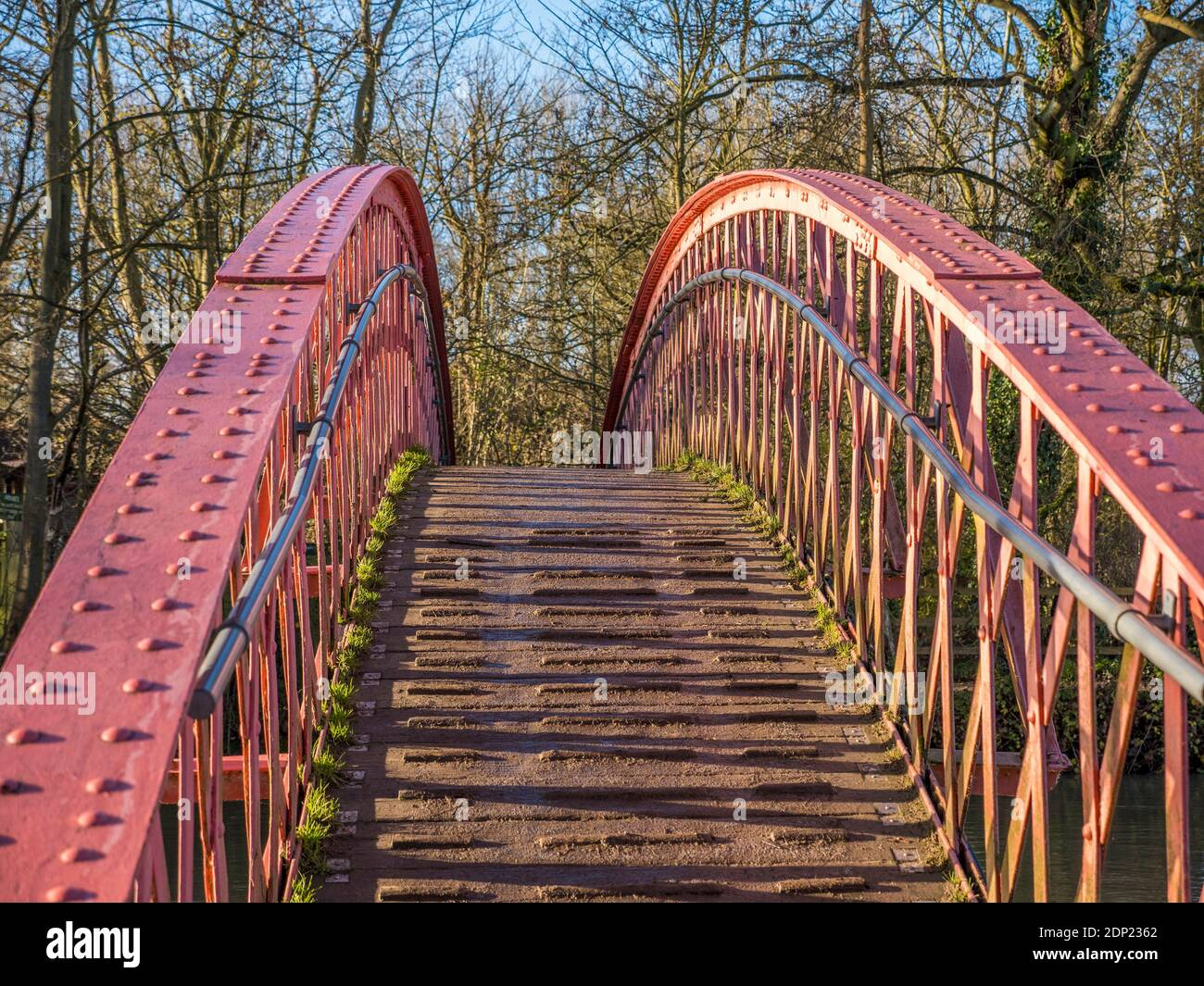 Red Footbridge, Port Meadow, River Thames, Thames Path, Oxford, Oxfordshire, England, UK, GB. Stock Photo