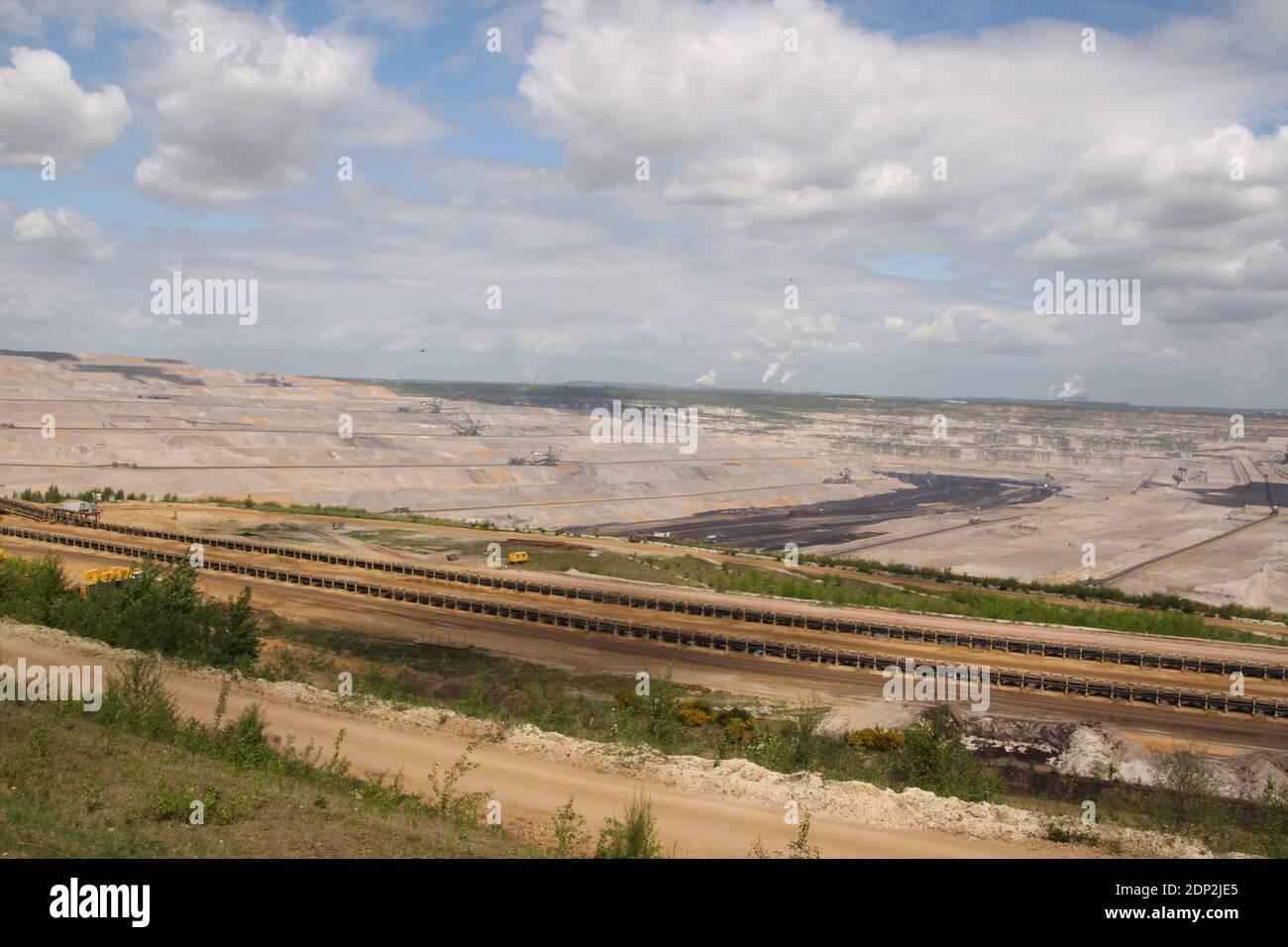 Blick in den Braunkohletagebau Hambach in der Nähe von Düren Stock Photo