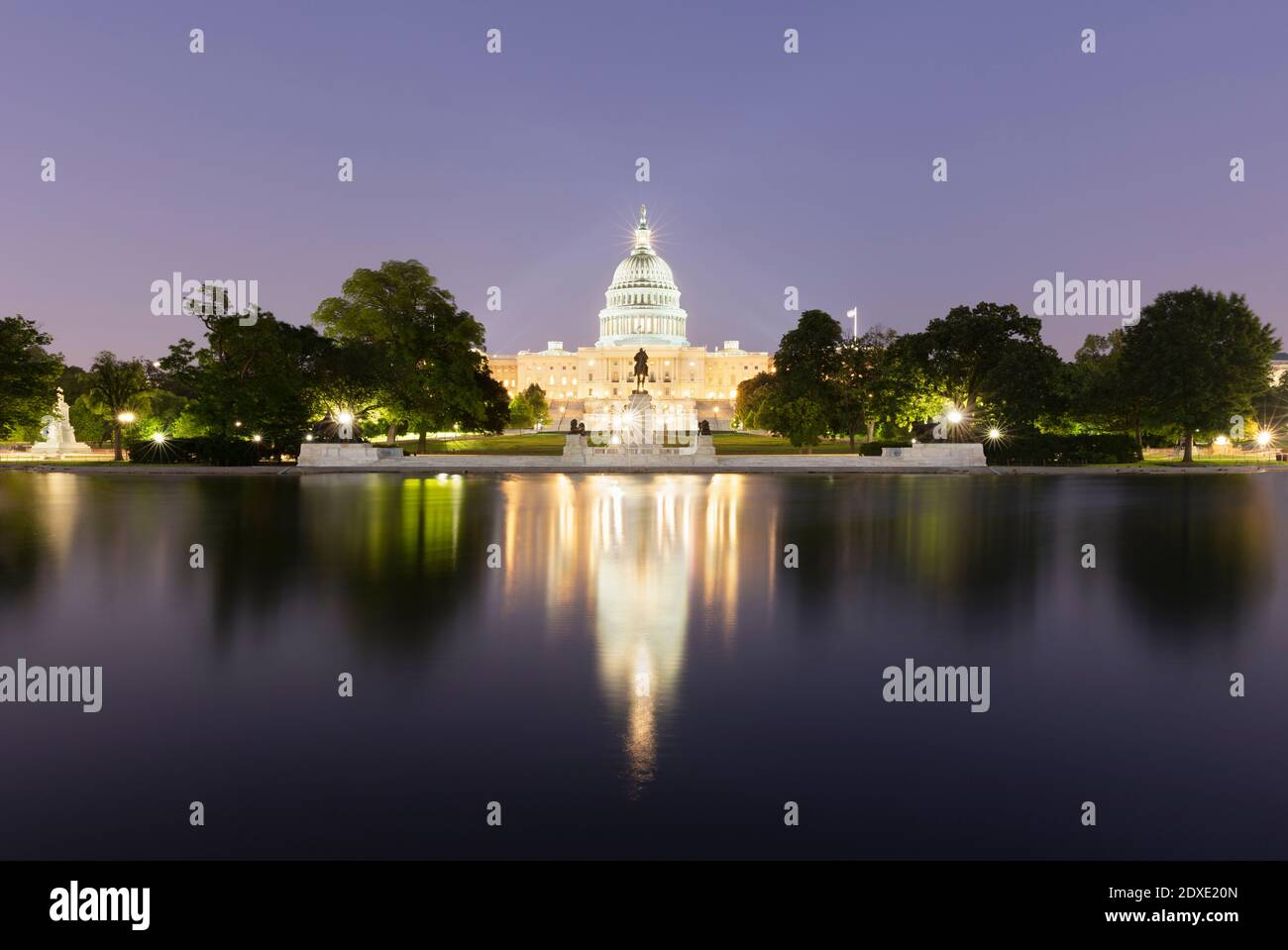 USA, Washington DC, United States Capitol at eastern end of National Mall at night Stock Photo