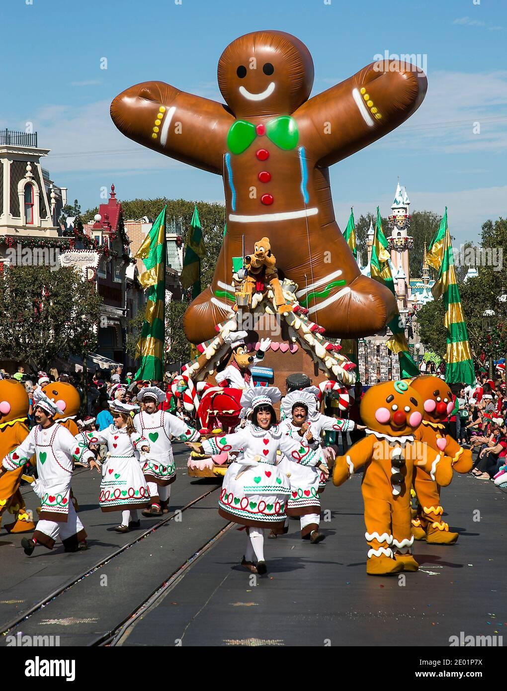 Paris Tx Christmas Parade 2021 Christmas Day Parade High Resolution Stock Photography And Images Alamy