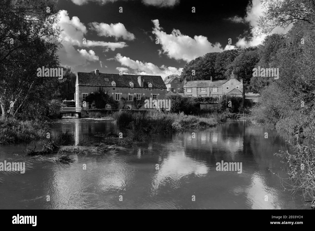 Wadenhoe Mill High Resolution Stock Photography And Images Alamy