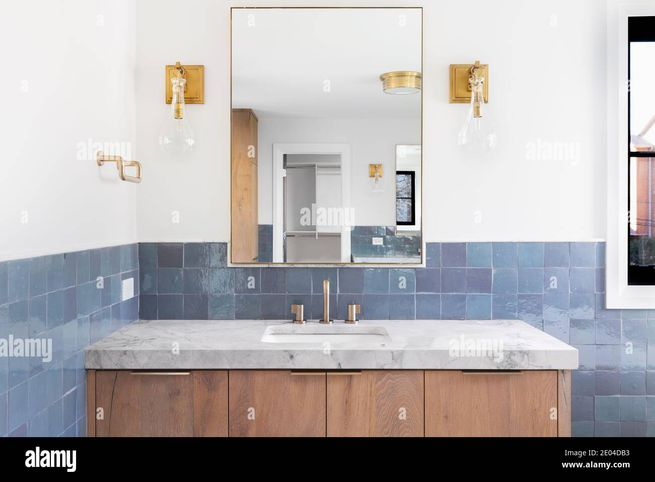 Vanity Cabinet High Resolution Stock Photography And Images Alamy