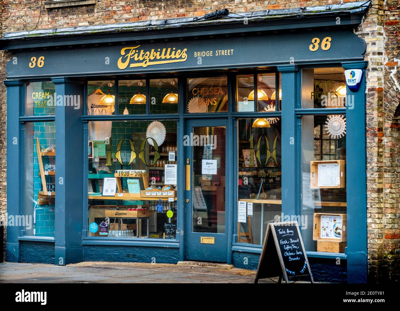 Fitzbillies Cambridge - Fitzbillies Cake Shop and Cafe Bridge Street Cambridge - Fittzbillies is famous for its Sticky Chelsea Buns Stock Photo