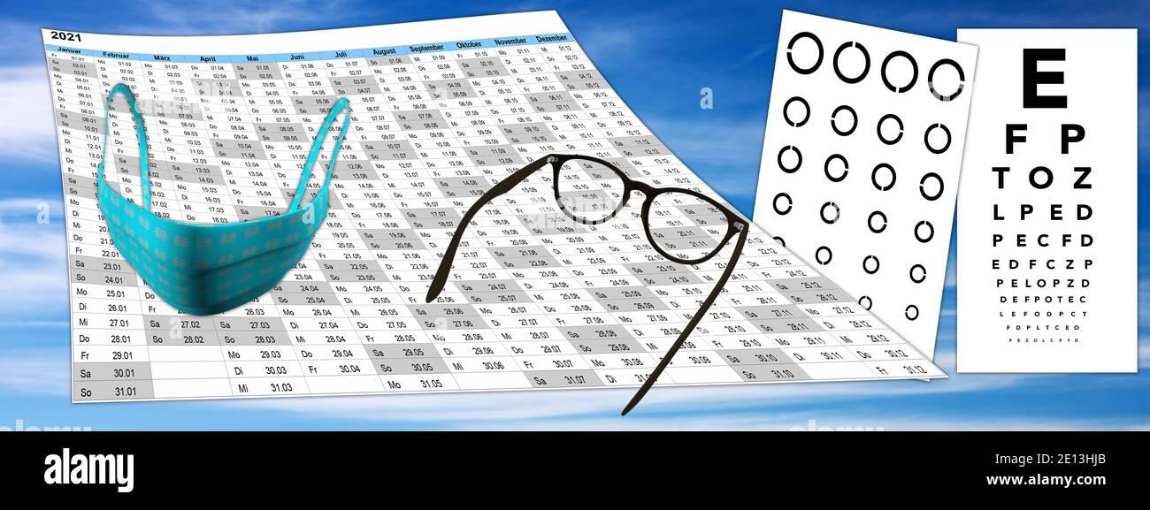 Kalender mit Sehtest und Brille, FFP2 Maske auf Himmel Hintergrund, Terminvergabe Stock Photo