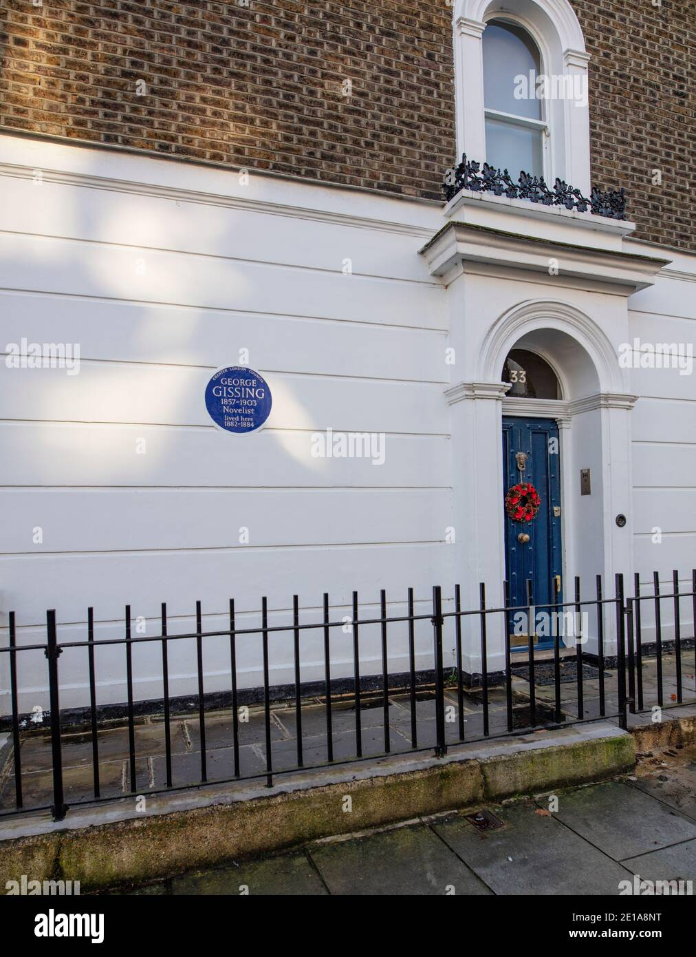 Greater London Council Blue Plaque for George Gissing, writer, in 33 Oakley Gardens, SW3 5NZ; he lived there 1882-1884 Stock Photo