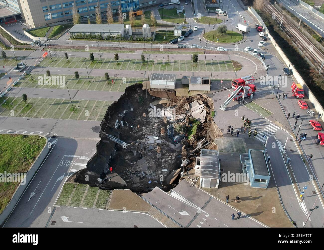 Naples, Italy. 08th Jan, 2021. Naples Ospedale del Mare explosion in the night opens a 50-meter chasm, the Covid residence evacuated Editorial Usage Only Credit: Independent Photo Agency/Alamy Live News Stock Photo