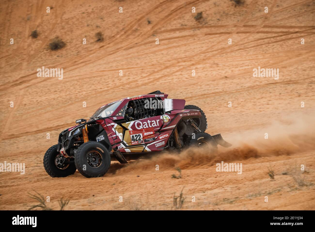 Dakar et rally-raid - Page 12 422-al-attiyah-nasser-khalifa-qat-ceci-paolo-ita-can-am-south-racing-can-am-motul-ssv-series-t4-action-during-the-7th-stage-of-the-dakar-2021-between-ha039il-and-sakaka-in-saudi-arabia-on-january-10-2021-photo-antonin-vincent-dppi-lm-2E1YJ34
