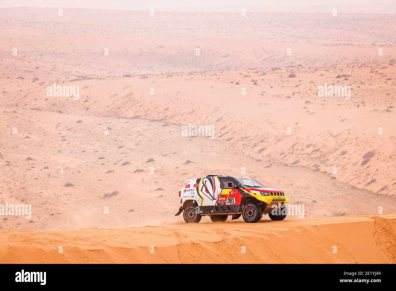 Dakar et rally-raid - Page 12 361-lu-binglong-chn-ma-wenke-chn-baic-baic-orv-auto-action-during-the-7th-stage-of-the-dakar-2021-between-hail-and-sakaka-in-saudi-arabia-on-january-10-2021-photo-frdric-le-floch-dppi-lm-2E1YJ49