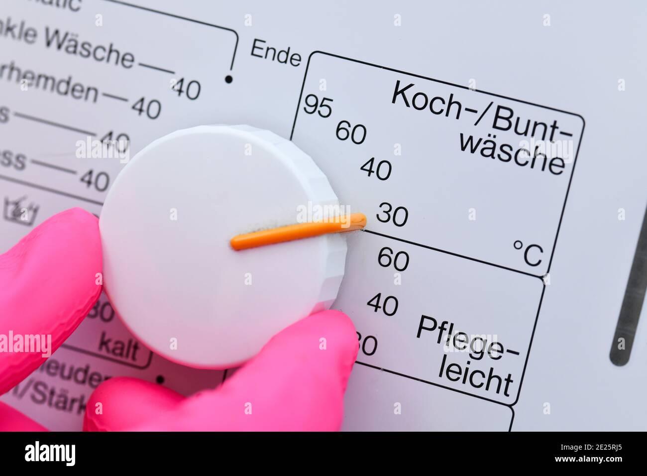 Waschmaschine, Knopf, Buntwäsche 30 Grad Stock Photo