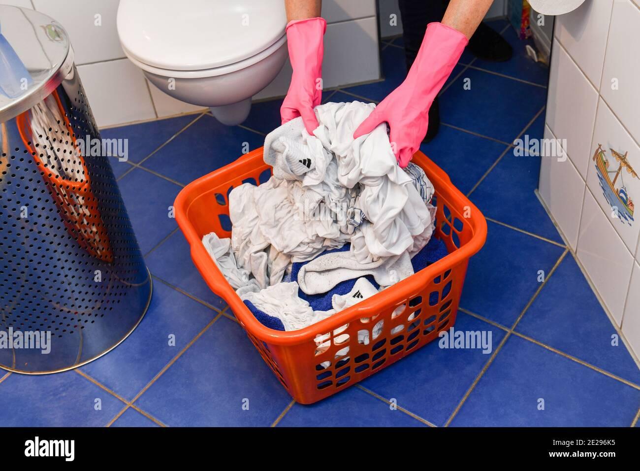 Wäsche, Wäschekorb Stock Photo