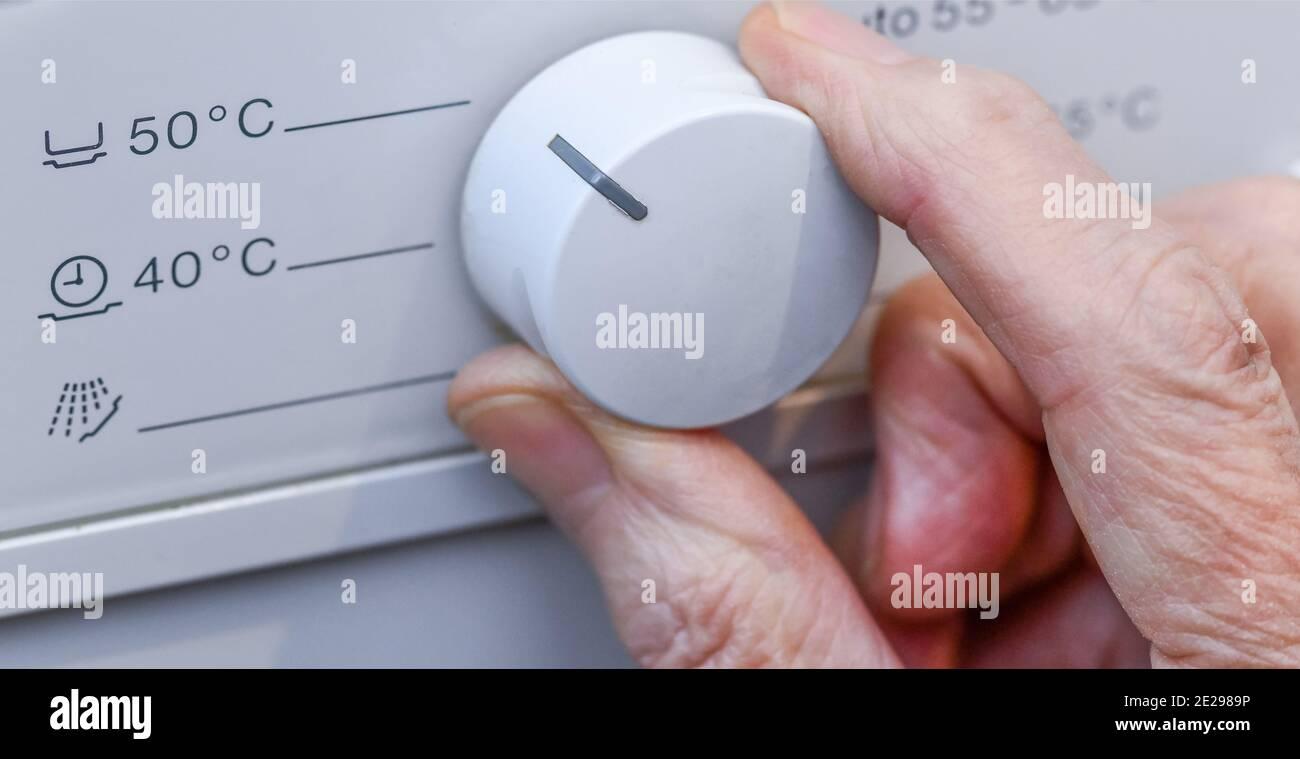 Temperaturregler, Geschirrspülmaschine Stock Photo