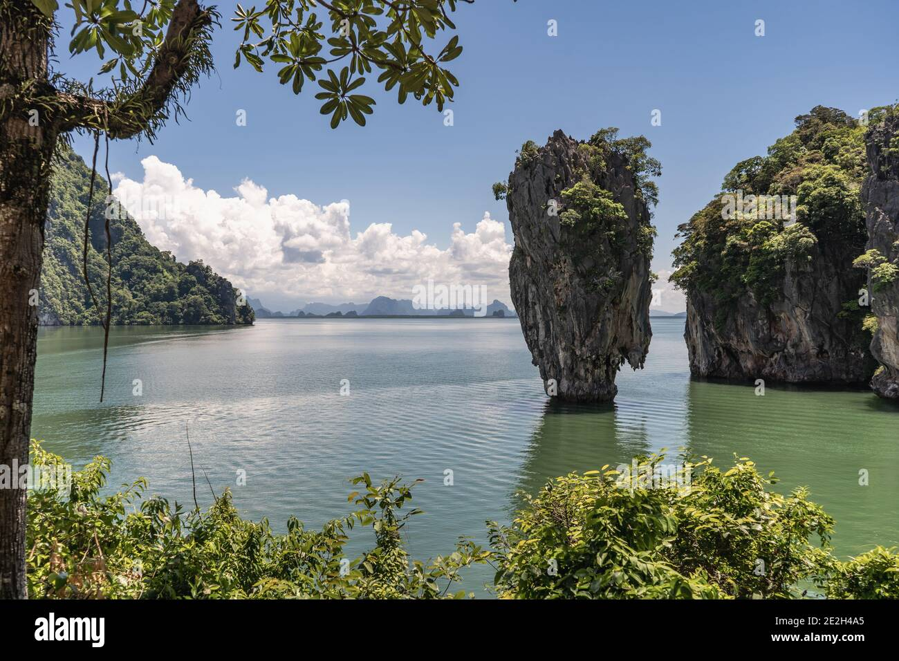"""James Bond Island or 007 Island is called Khao Phing Kan in Thai. The little island became famous in the 1974 James Bond movie """"The Man with the Golde Stock Photo"""